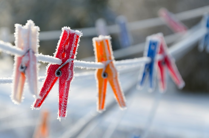 how to dry clothes quickly in winter