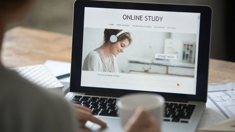 5 Tips to Help You Choose an Online Degree Program
